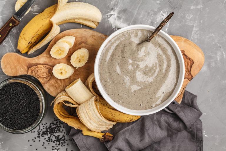 Protein snack 1 banana and black sesame milk smoothie bowl